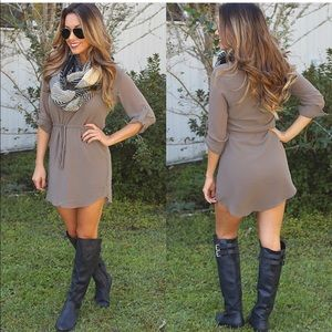 The cutest most flattering taupe dress!Worn 2 time